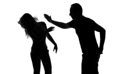 Mâu thuẫn vợ chồng ngày Tết, chồng đánh chết vợ rồi ôm mìn tự sát
