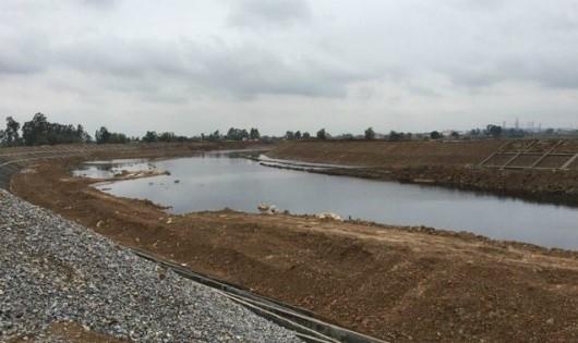 Dòng sông Ngũ Huyện Khê bị ô nhiễm trầm trọng