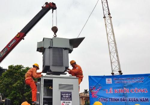 Điện lực Bắc Từ Liêm (EVNHANOI) ra quân thi công công trình Trạm biến áp ngay trong những ngày đầu Xuân Đinh Dậu
