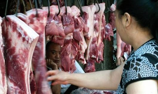 Lạm dụng kháng sinh , thuốc thú y trong chăn nuôi, nuôi trồng thủy sản vẫn là vấn nạn đáng lo ngại của ngành nông nghiệp. Ảnh minh họa