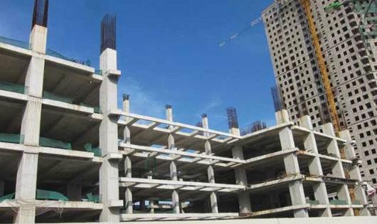 """Dự án xây đến tầng 8 thì """"đắp chiếu"""""""