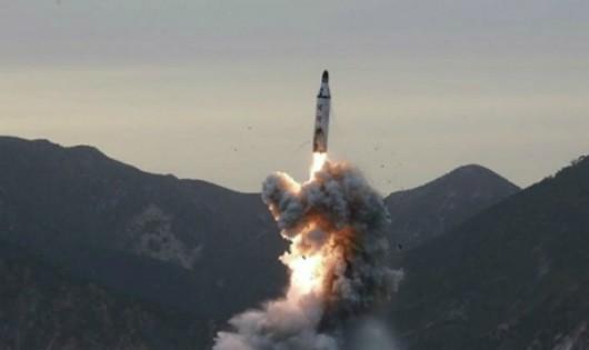 Triều Tiên lại thử tên lửa