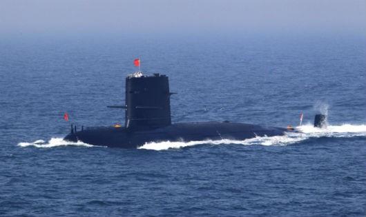 Tàu ngầm Trung Quốc. Ảnh Tân Hoa xã/Zing