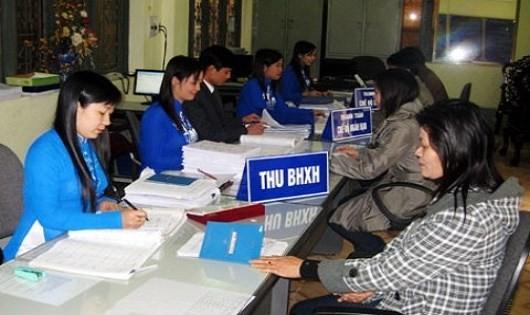 Doanh nghiệp hay người lao động có lợi khi giảm tỷ lệ đóng BHXH