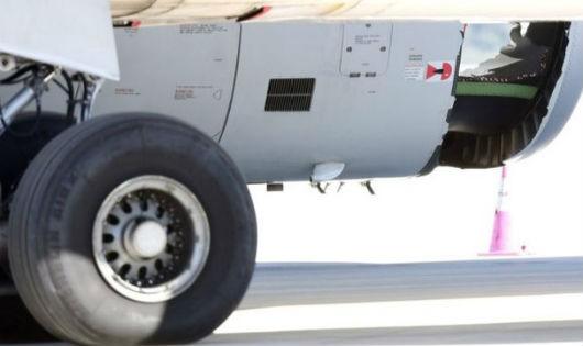 Máy bay Trung Quốc bị 'thủng vỏ động cơ'