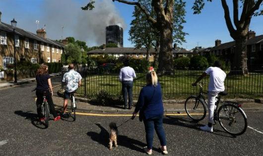 Chia rẽ giàu - nghèo ở London qua vụ cháy Tháp Grenfell