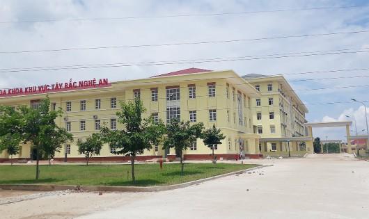 Bệnh viện Đa khoa khu vực Tây Bắc chậm tiến độ, có nhiều dấu hiệu nghi vấn về chất lượng