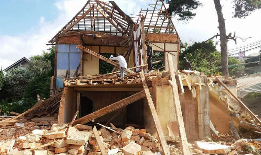 Căn nhà của gia đình bà Nguyễn Thị Ngoạn sinh sống 42 năm bị cưỡng chế