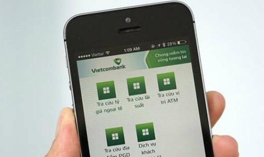So với phương thức chuyển khoản thông thường, dịch vụ đáp ứng nhu cầu chuyển nhận tiền nhanh tức thì của Vietcombank vẫn áp mức phí 10.000 đồng/giao dịch