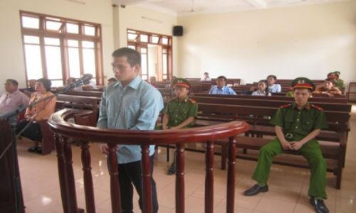 Bị cáo Thuật tại phiên xét xử. Ảnh Báo Công lý