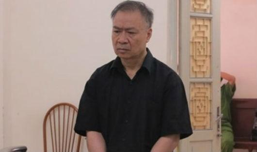 Bị cáo Phùng Hữu Sơn tại phiên tòa. Ảnh KTĐT