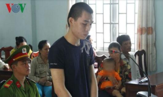 Bị cáo Lãm tại phiên tòa. Ảnh VOV