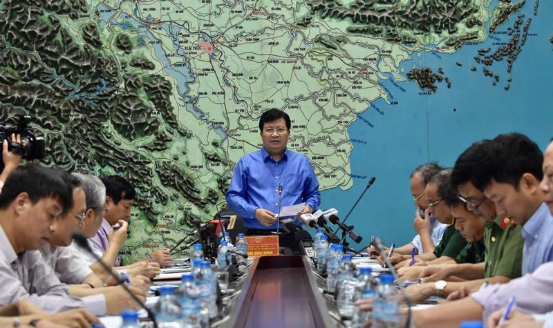 Phó Thủ tướng Trịnh Dình Dũng chỉ đạo tại cuộc họp. Ảnh: VGP/Nhật Bắc