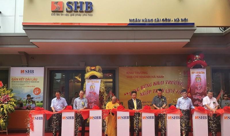 Lễ cắt băng khai trương SHB Hà Nam