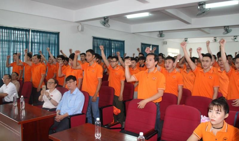 Đội tuyển của ĐH Lạc Hồng đại diện cho Việt Nam dành chức vô địch