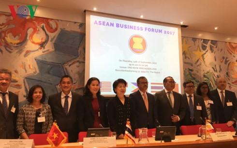 Diễn đàn Doanh nghiệp ASEAN lần thứ 1. Ảnh VOV