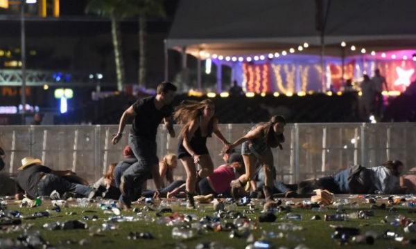 Khung cảnh hỗn loạn trong vụ xả súng