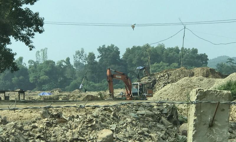 """Sông Công (Thái Nguyên): Lợi dụng đề án """"cải tạo thao trường"""" để khai thác cát, sỏi trái phép?"""