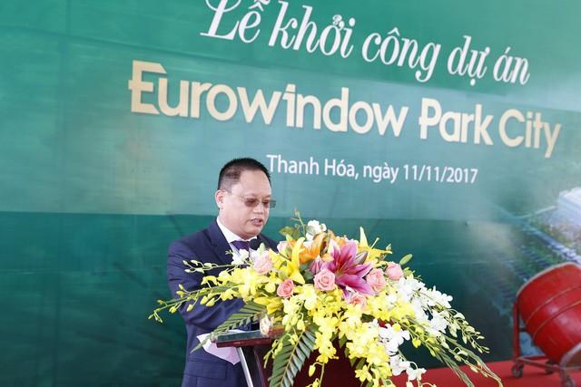 Ông Nguyễn Cảnh Hồng – Chủ tịch Công ty cổ phần Đầu tư Tổ hợp Thương mại Melinh PLAZA Thanh Hóa phát biểu tại buổi lễ khởi công dự án.