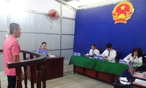 Bị cáo Thuận tại phiên xét xử. Ảnh Báo Công lý
