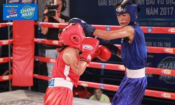 Những nữ võ sĩ cũng cho thấy sự thi đấu quyết liệt của mình