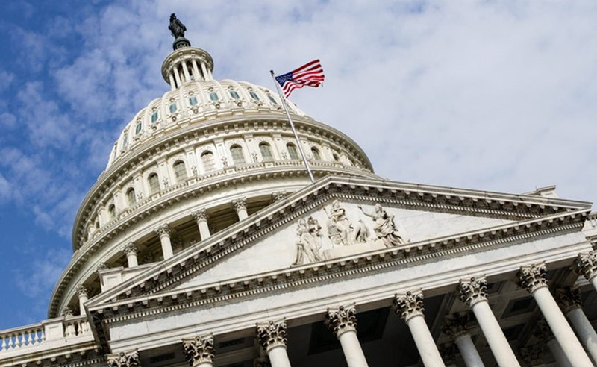 Mỹ thông qua dự luật chi tiêu ngăn chính phủ phải đóng cửa