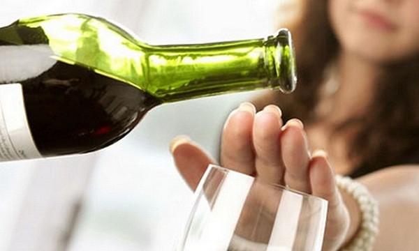 Bị sát hại vì mời rượu không uống