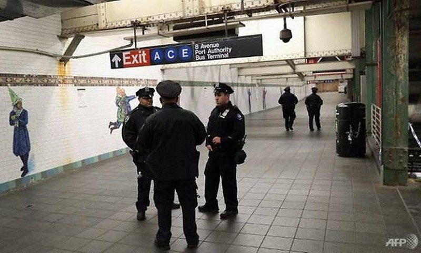 3 người bị thương trong vụ tấn công khủng bố ở nhà ga New York