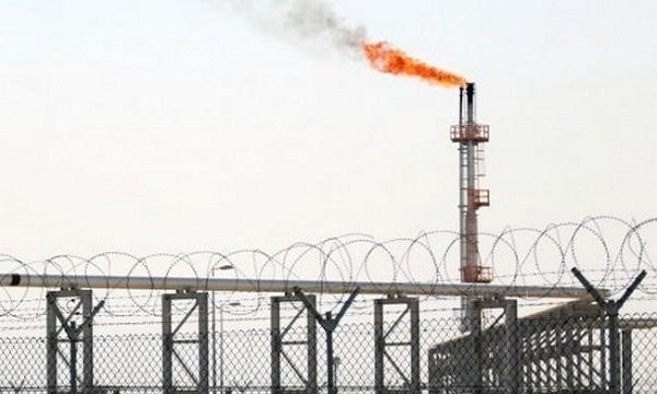 Mỏ khí đốt tự nhiên Bắc Rumaila, phía bắc cảng Basra ở miền nam Iraq. Ảnh: AFP