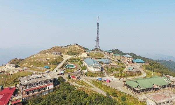 Khu vực đỉnh núi Mẫu Sơn