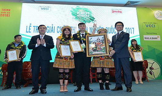 Giải nhất thuộc về dự án Trang trại gà H'Mông B&C (Học viện nông nghiệp Việt Nam)