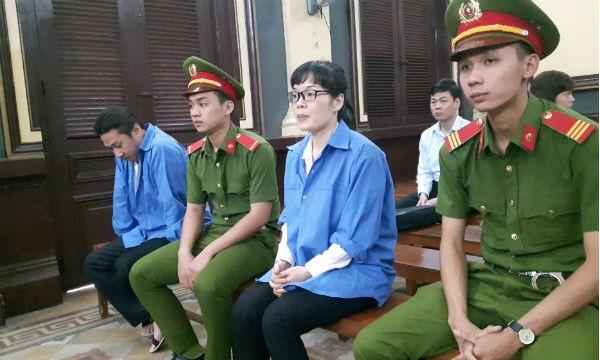 Bị cáo Như và Tuấn tại phiên tòa