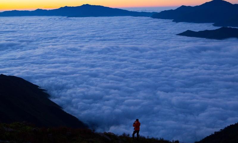Biển mây trên đỉnh Tà Chì Nhù