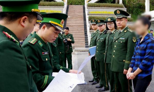 Bộ đội Biên phòng Việt Nam - TQ bàn giao đối tượng vượt biên