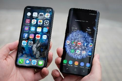 iPhone X hay Galaxy S8 giảm giá để đón loạt smartphone mới như Galaxy S9.