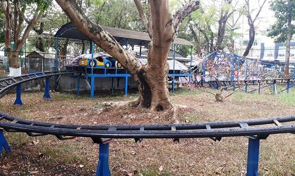 Một trò chơi cho thiếu nhi ở công viên Kim Đồng