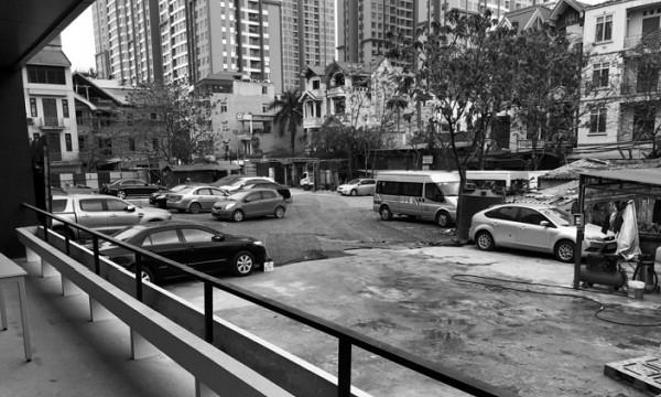 """Cầu Diễn, Nam Từ Liêm (Hà Nội): Một bãi trông giữ xe trái phép nằm """"ngoài vòng"""" Mệnh lệnh 02?"""