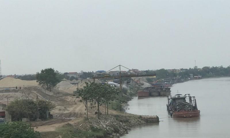 Nhiều cá nhân, doanh nghiệp tập kết cát, sỏi trái phép tại khu vực cảng Triều Dương