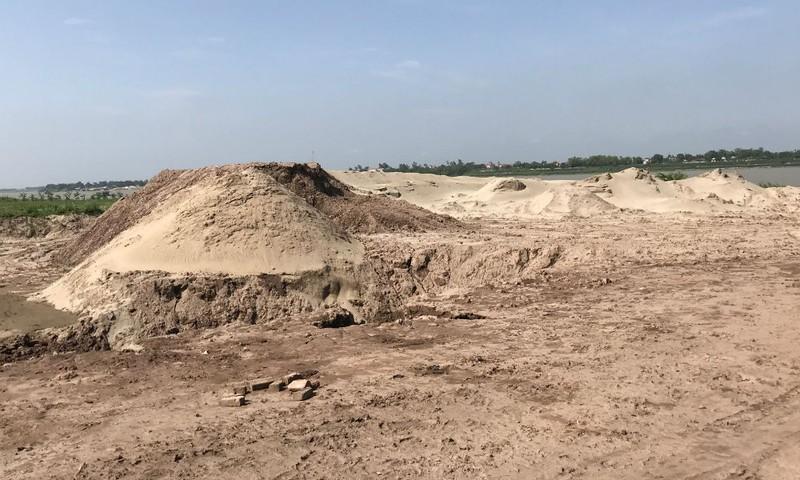 Đất bãi ven sông Hồng, thôn Lập Phương mà ông Chung ký hợp đồng với Cty Nam Thăng Long