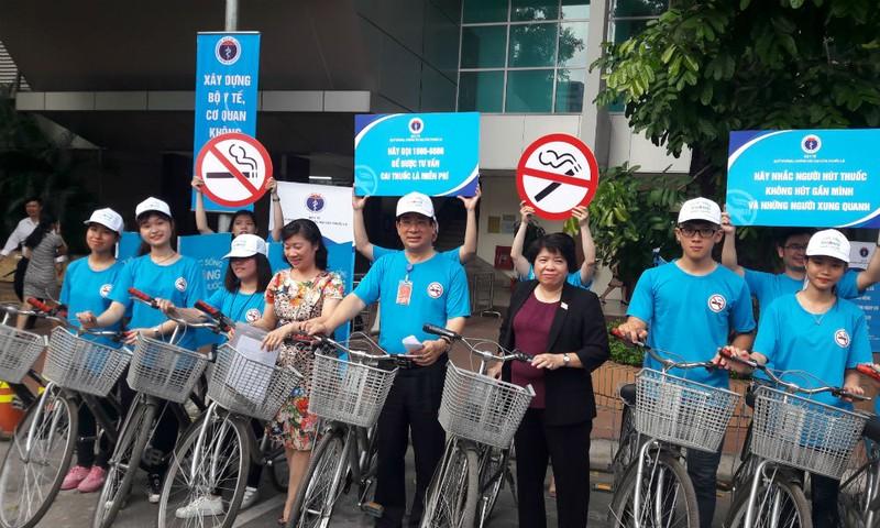 Một cuộc diễu hành tuyên truyền, phổ biến tác hại của thuốc lá