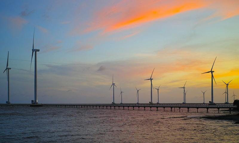 """Nhà đầu tư sẽ """"mặn mà"""" hơn khi giá điện gió được đề xuất tăng?"""