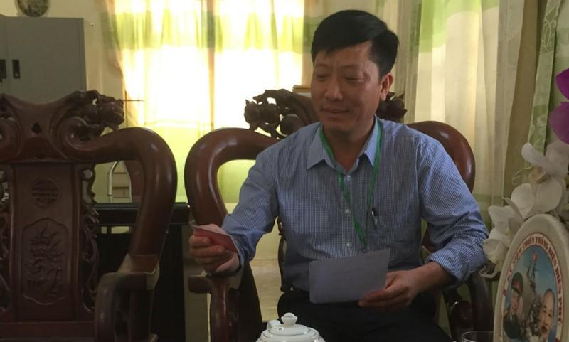 Ông Đỗ Trọng Ánh, Chủ tịch UBND xã Đại Cương làm việc với phóng viên