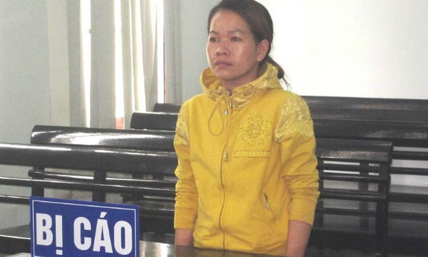 Bị cáo Chế Thị Ngọc Thoa tại tòa. Ảnh PLO