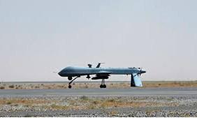 Máy bay không người lái trang bị tên lửa Predator của Mỹ