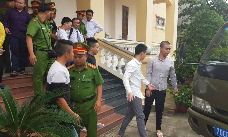 Các bị cáo sau phiên tòa phúc thẩm