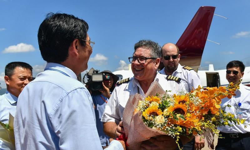 Cơ trưởng Charles John Fogarty - phi công đầu tiên đáp máy bay xuống Sân bay Vân Đồn đánh giá cao chất lượng quốc tế của Sân bay
