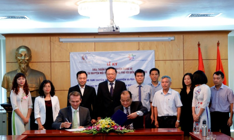 FrieslandCampina Việt Nam ký kết hợp tác Bảo vệ môi trường