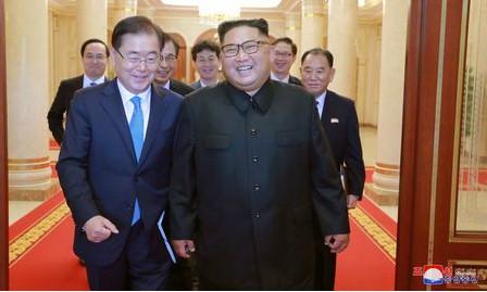 Nhà lãnh đạo Triều Tiên Kim Jong-un và phái viên của Hàn Quốc