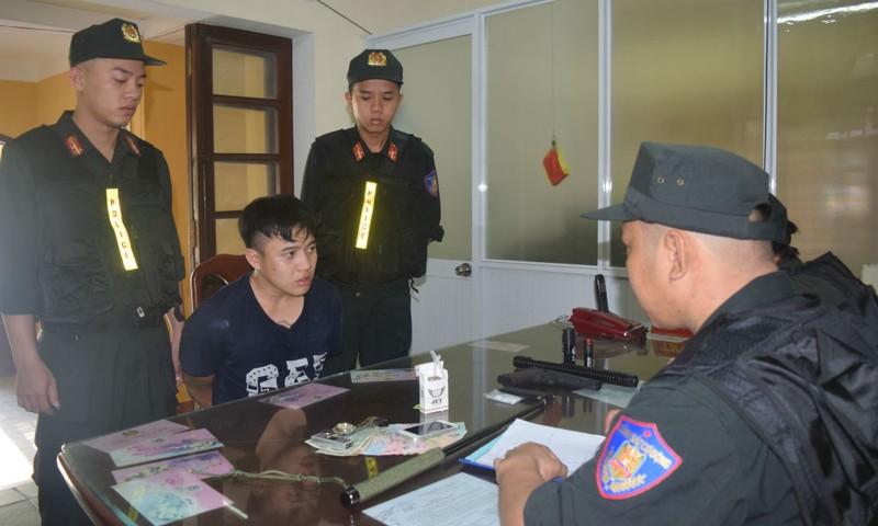 Lực lượng Cảnh sát cơ động khống chế nhiều đối tượng tội phạm nguy hiểm hoạt động về đêm