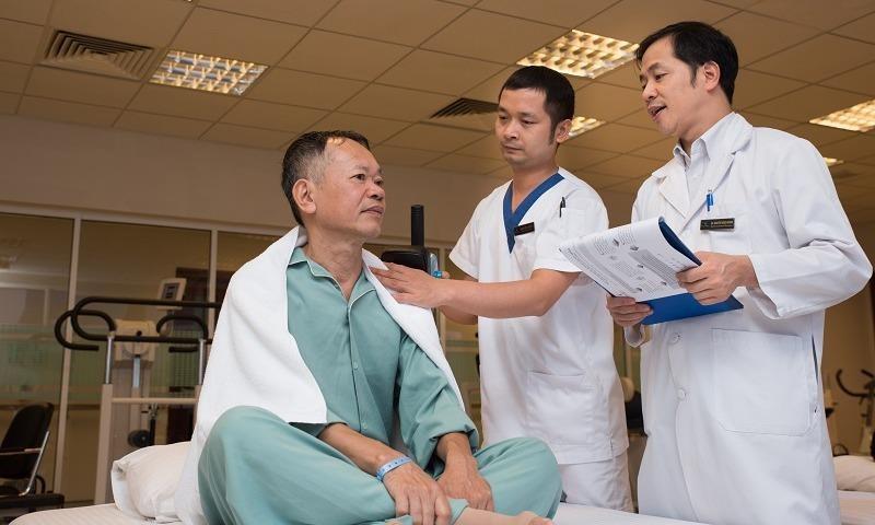 Ông Đặng Vũ Quang có thể về nhà, sinh hoạt bình thường chỉ sau 3 ngày mổ